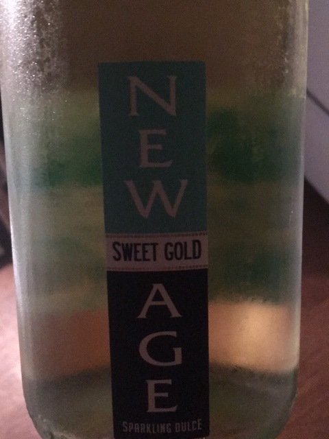 New Age - Sweet Gold Sparkling Dulce - N.V.