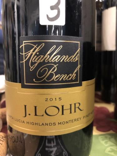J. Lohr - Highlands Bench Pinot Noir - 2015